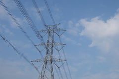 Poste eléctrico de alto voltaje Imagen de archivo libre de regalías
