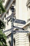 Poste indicador de la calle de Londres Foto de archivo libre de regalías