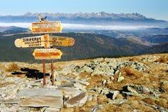 Poste indicador en el parque nacional de Tatra Fotografía de archivo libre de regalías