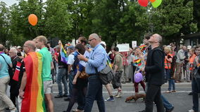 Posterflaggen der homosexuellen Parade stock video footage