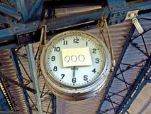 postez l'horloge en panne, ville de Karachi, station de train, Pakistan photo stock