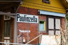 Posthuizen op de post in Paulinzella in Thuringia royalty-vrije stock afbeelding