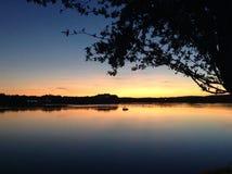 Postluminescence sur la rivière Images stock