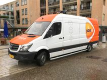 PostNL搬运车-荷兰邮件 免版税库存图片