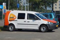 PostNL-Lieferwagen Lizenzfreie Stockfotos