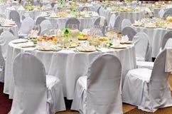 Posto bianco Wedding di ricezione pronto per gli ospiti Fotografia Stock