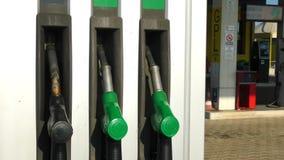 Posto de gasolina vídeos de arquivo