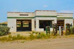 Posto de gasolina abandonado Fotos de Stock Royalty Free