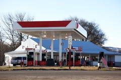 Posto de gasolina moderno fotografia de stock