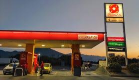 Posto de gasolina Monterrey México de Oxxo foto de stock