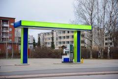 Posto de gasolina 2não pilotado da estação Expresse para reabastecer a gasolina foto de stock