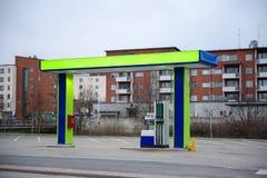 Posto de gasolina 2não pilotado da estação Expresse para reabastecer a gasolina imagens de stock royalty free