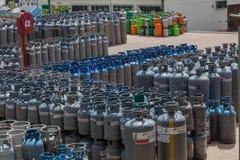 Jarda das garrafas de gás do petróleo líquido Foto de Stock Royalty Free