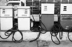 Posto de gasolina velho foto de stock