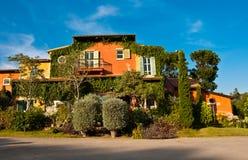 Posto de Primo, estilo mediterrâneo da construção Fotos de Stock Royalty Free