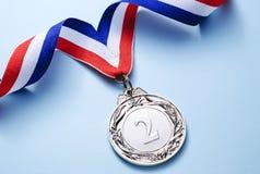 Posto della medaglia di argento 2 con il nastro immagine stock libera da diritti