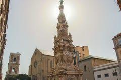 Posto di Gesù con obelisque e il hurch del chiarav di Santa fotografie stock libere da diritti