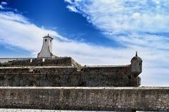 Posto di guardia della fortezza sulla spiaggia nel villaggio di Peniche Fotografia Stock Libera da Diritti