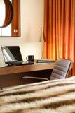 Posto di lavoro comodo nella camera di albergo Fotografia Stock