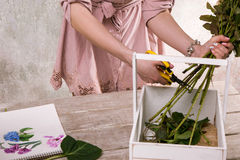 Posto di lavoro del decoratore, fiorista Sketch del fiore Immagini Stock Libere da Diritti