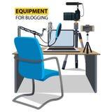 Posto di lavoro per il blogger Attrezzatura per il blogging Fotografie Stock Libere da Diritti