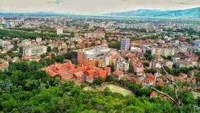 Posto mountan della costruzione dell'hotel di parco della foresta urbana del cielo della città Fotografia Stock Libera da Diritti