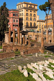 Posto sacro di Largo di Torre Argentina in vecchia città di Roma Immagine Stock