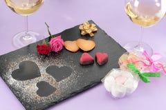 Postre de la tarjeta del día de San Valentín foto de archivo