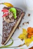 Postre de la torta en un platillo Imagen de archivo libre de regalías