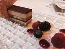 Postre del chocolate con las frutas Imagenes de archivo