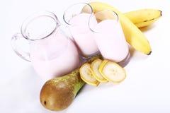 Postre del yogur con las frutas Fotos de archivo libres de regalías