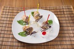 Postre delicioso Cerise de la torta .sweet. Fotos de archivo
