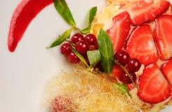 Postre dulce con las fresas Fotografía de archivo libre de regalías