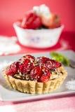 Postre dulce con las fresas Fotos de archivo libres de regalías
