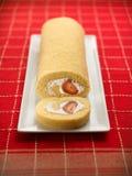 Postre dulce de la comida, torta en fijar mínimo Imagenes de archivo