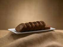 Postre dulce de la comida, torta en fijar mínimo Foto de archivo