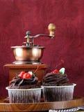 Postre festivo de las magdalenas del chocolate para la tarjeta del día de San Valentín del St Imagen de archivo