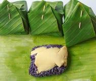 Postre púrpura de las natillas Fotografía de archivo