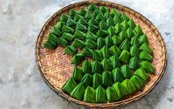 Postre relleno de la pirámide de la pasta para el festival chino del Año Nuevo Fotografía de archivo libre de regalías