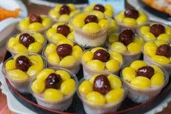Postre sano tailandés cocinado con las nueces del ginko Imagenes de archivo