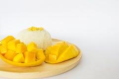 Postre tailandés del estilo, mango con arroz pegajoso Fotografía de archivo libre de regalías