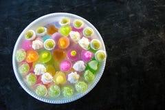 Postres tailandeses coloridos hechos de los ingredientes, del polvo, de la soja y del azúcar imagenes de archivo