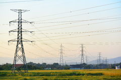 Posts de la electricidad grandes fotografía de archivo libre de regalías
