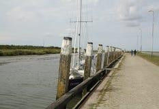 Posts del amarre en el puerto fotografía de archivo libre de regalías