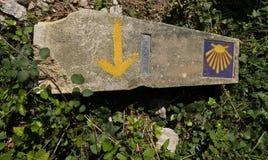 Posts del kilómetro en el Camino de Santiago Imagenes de archivo
