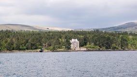 Posts del puesto de observación en la bahía de Kenmare Imagenes de archivo