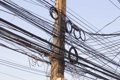 Posts eléctricos sucios Fotos de archivo