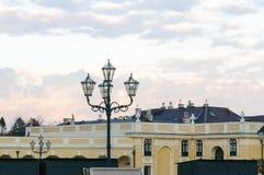 Posts ligeros cuatro hechos con la trabajo de metalistería elegante en Schoenbrunn Palac Fotografía de archivo