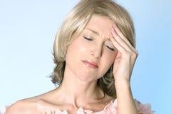Postumi di una sbornia, emicrania, dolore Fotografia Stock