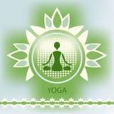 Postura de la meditación del fondo del verde del emblema de la flor de loto de la yoga Fotografía de archivo libre de regalías